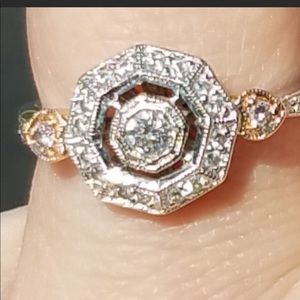 18k gold and diamonds ring size 7